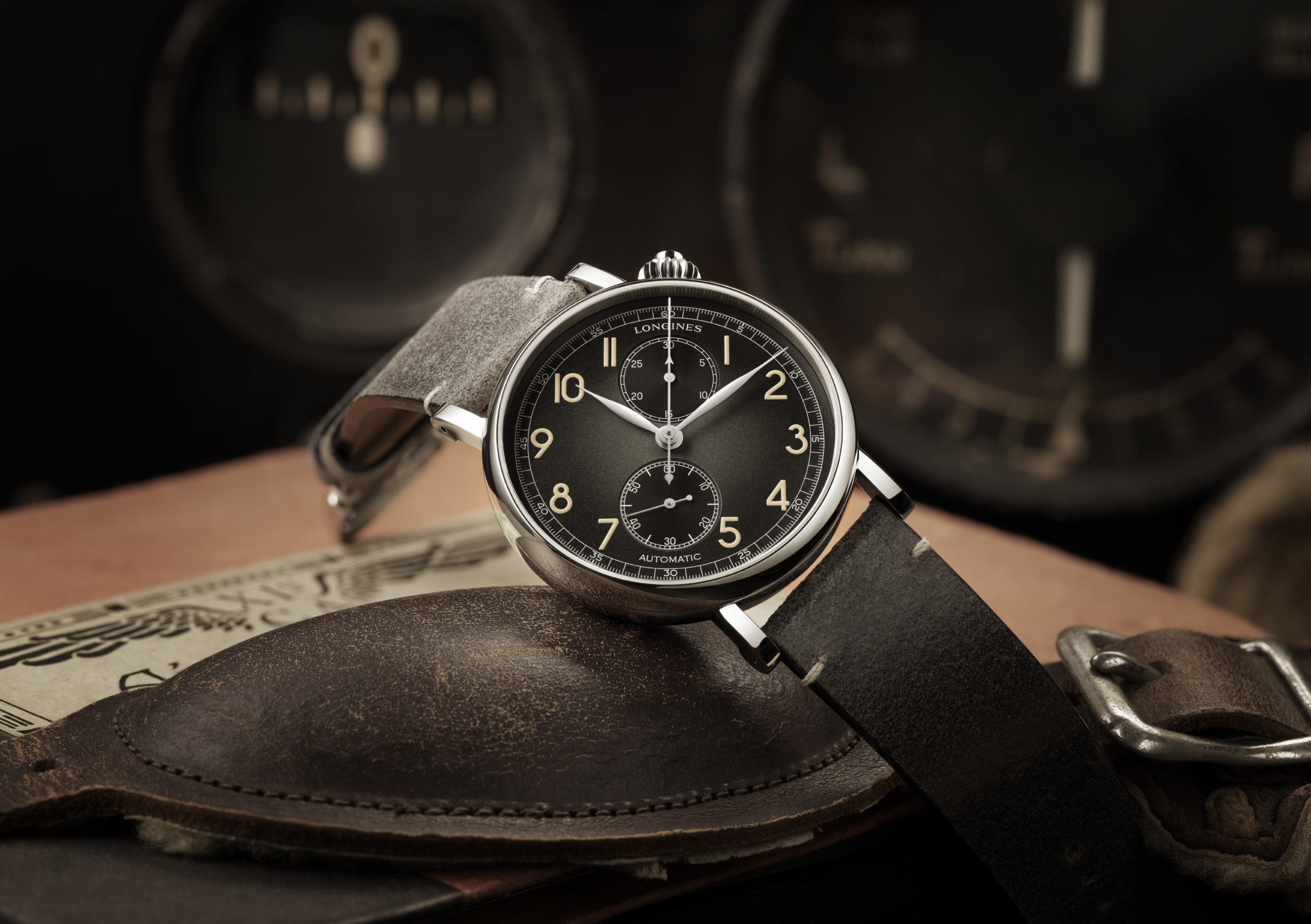 Montre_aviation_788_L2_823_4_53_2_ambiance_PR_